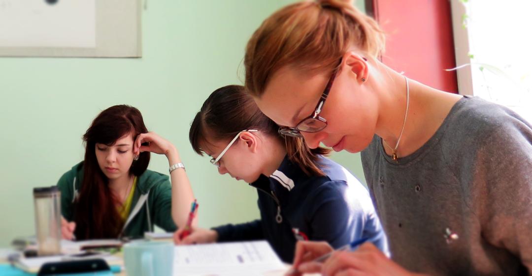 לימוד ערבית בסיוע מילון דיוואן המוקלט